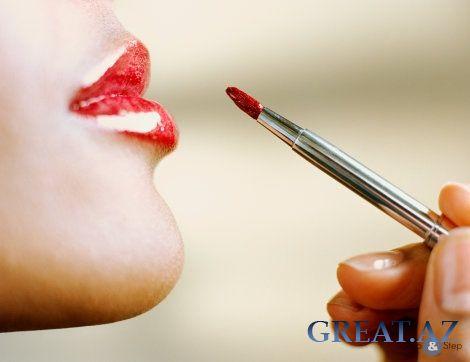 Фото макияжа стрелки и красная помада