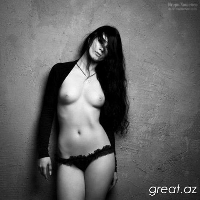 Фото красивых девушек эротика черно белое фото