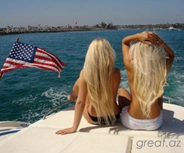 две блондинки вид сзади фото