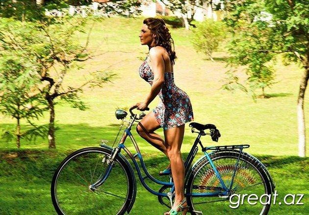 Красивые девушки и велосипеды (50 Фото)