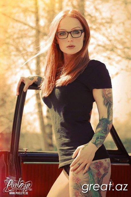 Татуировки на стройных девушках