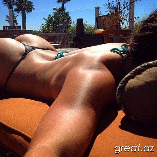 Bikinide gozel seksi qizlar 30 Foto