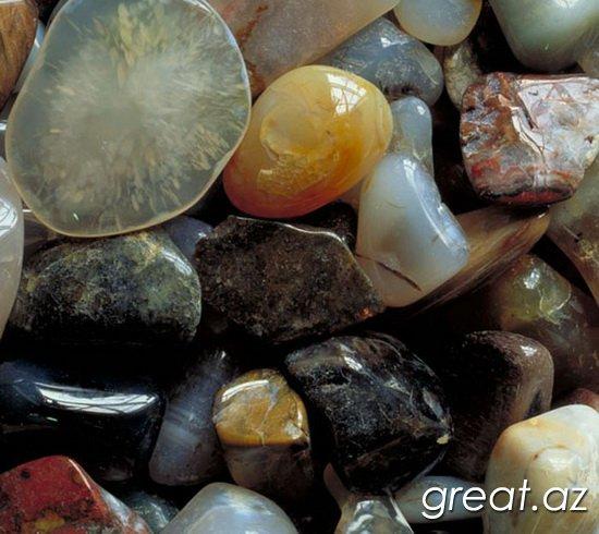 камни знаком зодиака агат