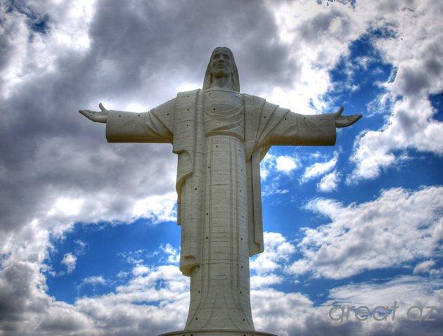 Dünyada ən böyük heykəllər