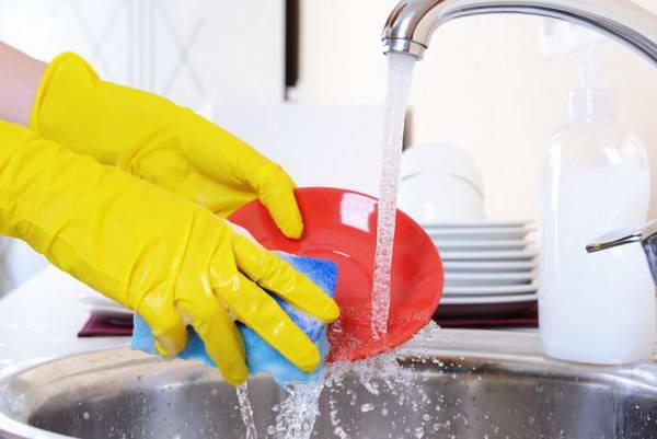 Чем опасны моющие средства для посуды
