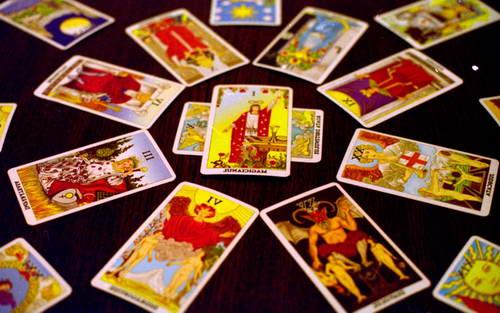 Tarot kartlarında 5 məşhur açılım