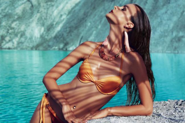 Почему загар «цепляется» не ко всем и как солнце влияет на кожу