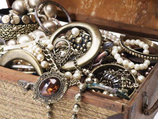 Как почистить серебро народными средствами