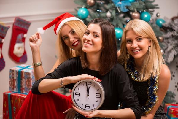 Как подобрать цвет новогоднего наряда